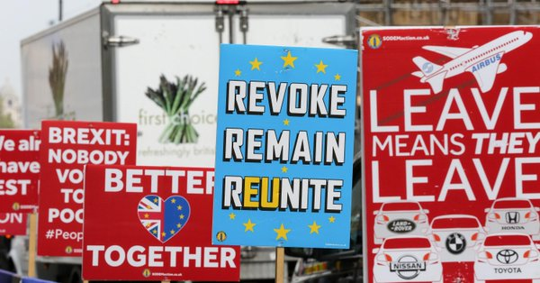 Populist surge sinks Tories and squeezes Labour as European elections loom